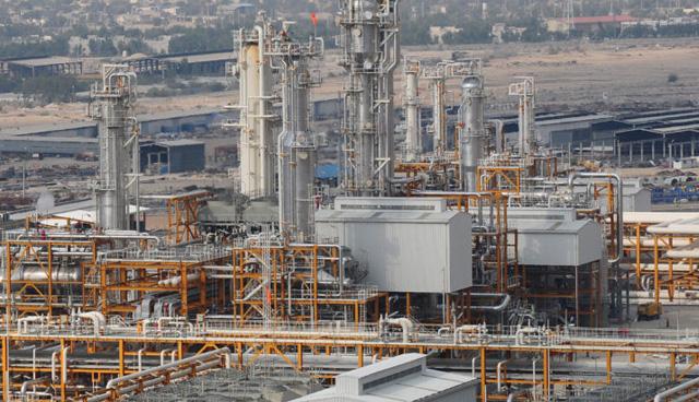 شرکت مهندسی و ساختمان صنایع نفت به عنوان پیمانکار سیویل در فاز ۹ و ۱۰ پالایشگاه پارس جنوبی