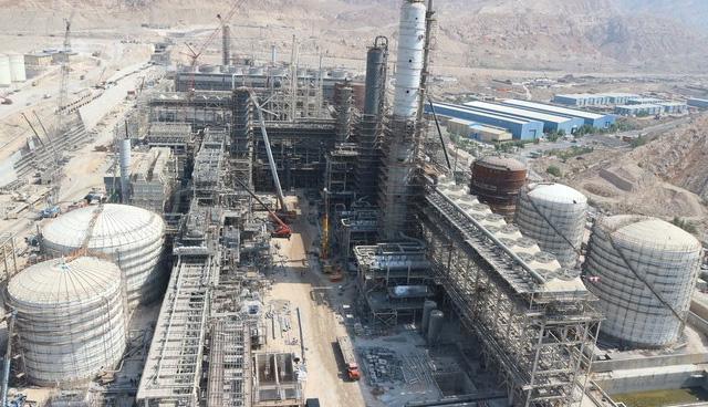 شرکت مهندسی ساختمان و نصب صنایع پتروشیمی ECC در فاز ۳ پتروشیمی بوشهر